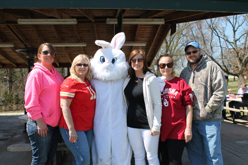 2015-Easter--Carrier--Donna-Bunny----------Connie-Watt-and.jpg